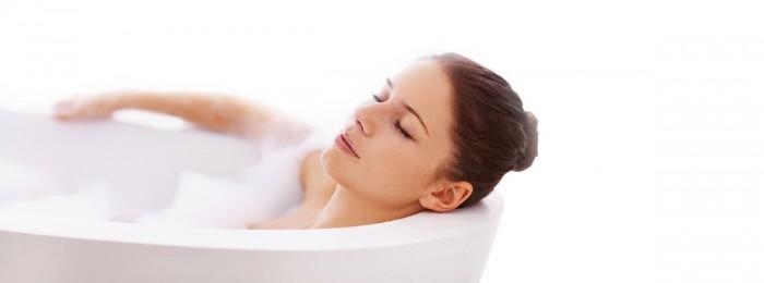 Можно ли принимать ванну и купаться во время месячных?