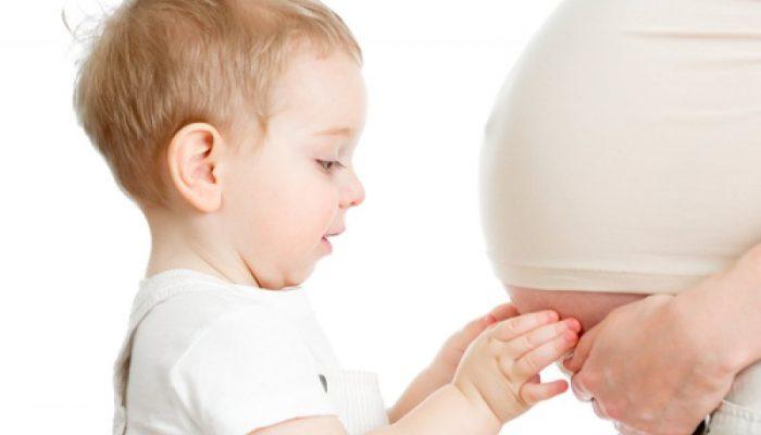 Можно кормить ребенка грудью при беременности Питание мамы