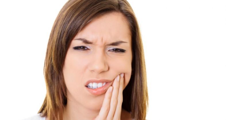 Как снять зубную боль при беременности?