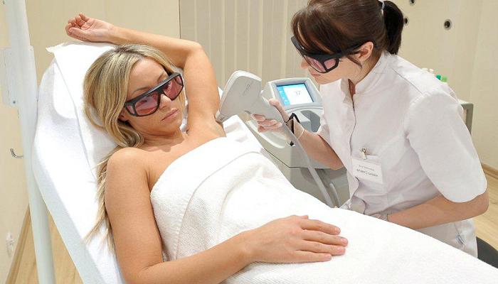 Можно ли делать делать эпиляцию и депиляцию зоны бикини при беременности. Как брить бикини во время беременности