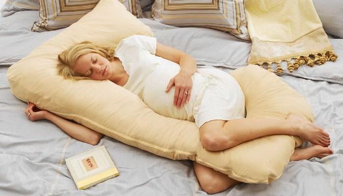kak-pravilno-spat-beremennym